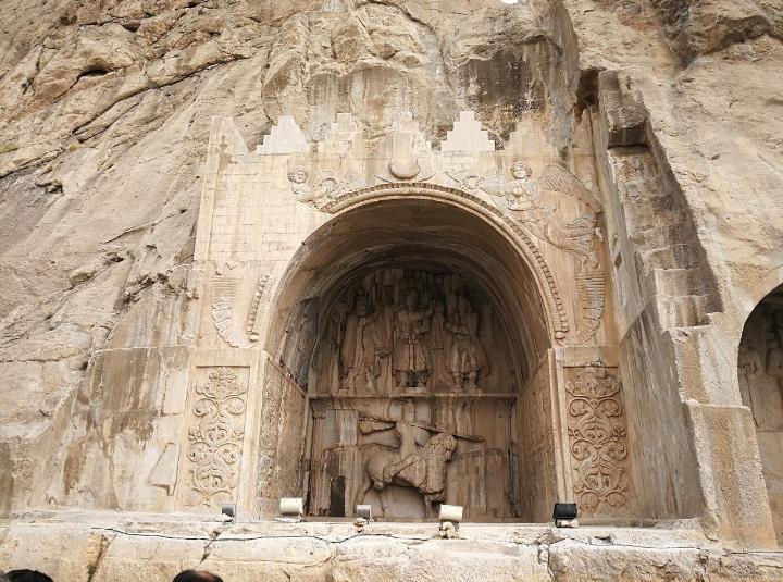 مجموعه باستانی طاق بستان