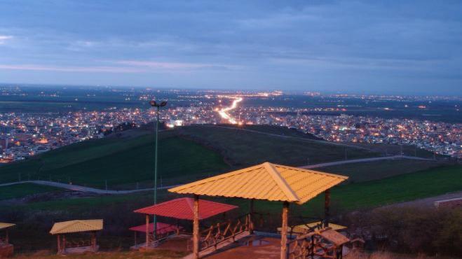 پارک وتفرجگاه زیتون تپه آزادشهر