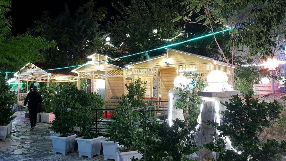 کافه رستوران قلهک دره