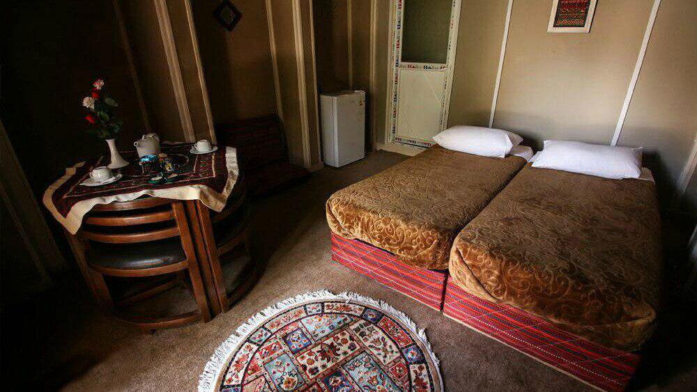 هتل سنتی ایوان