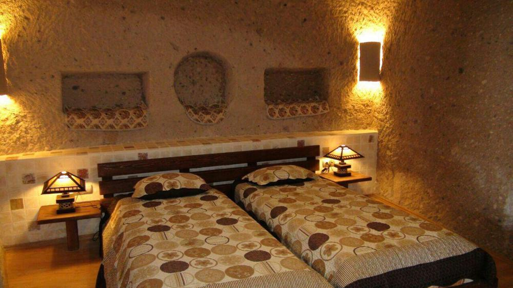 هتل صخرهای لاله کندوان
