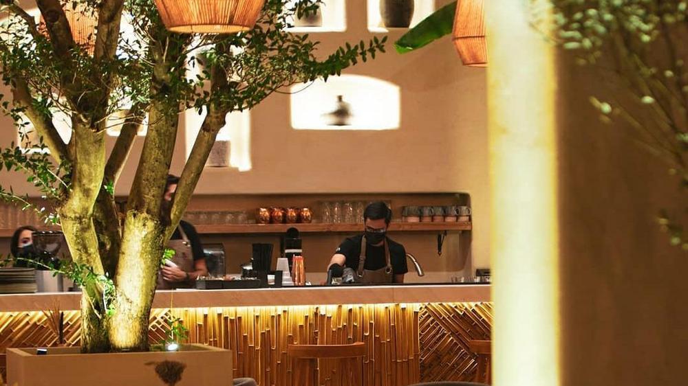 رستوران آولی